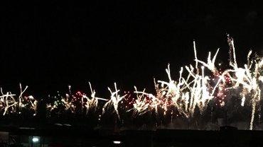 Feuerwerk Hafenmauer Ponta Delgada