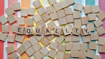 Illustration von Gleichheit und Antidiskriminierung